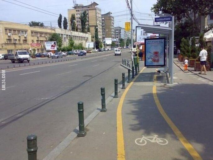 wpadka : Ścieżka rowerowa przez przystanek
