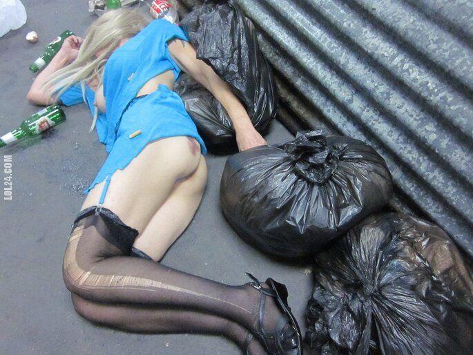 po imprezie : Dziewczyna na śmietniku