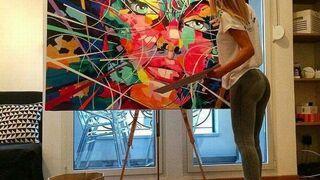 Abstrakcyjna artystka