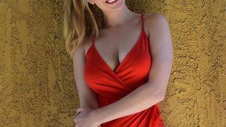 Uśmiechnięta Paige Spiranac