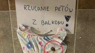 Rzucanie petów z balkonu