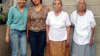 Wnuczka(20lat) Mama(48lat) Babcia(85lat) i Prababcia(103lat)