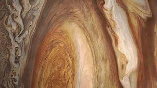 Księżyc Jowisza Io na tle Jowisza