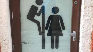 Zabawne oznaczenie toalety