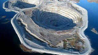 Kopalnia odkrywkowa diamentów Diavik w Kanadzie