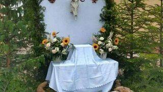 Myśliwski ołtarz procesji Bożego Ciała w Baligrodzie