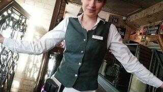 Urocza kelnerka