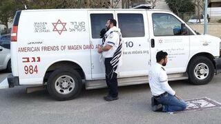 Żyd i Muzułmanin modlący się: Współpracują razem w Izraelu, aby przeciwdziałać pandemii