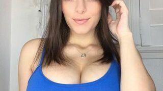 Piękna kobieta 64