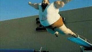 grubas skacze ze skoczni