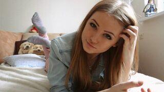 Urocze dziewczę 22