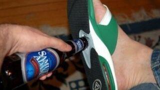 Klapki z otwieraczem do piwa