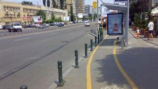 Ścieżka rowerowa przez przystanek