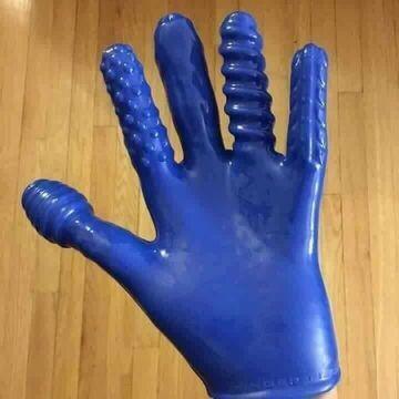 Rękawiczka do ... sprzątania?