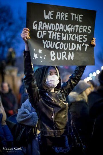 Jesteśmy wnuczkami czarownic, których nie udało wam się spalić