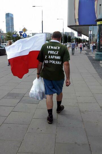 """""""Lewacy precz z łapami od Polski"""""""