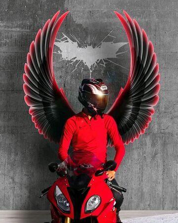 Motocyklistaa