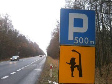 Za 500 metrów na parkingu