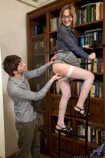 Biblioteka. Dlaczego w niej można poczuć się erotycznie? 7