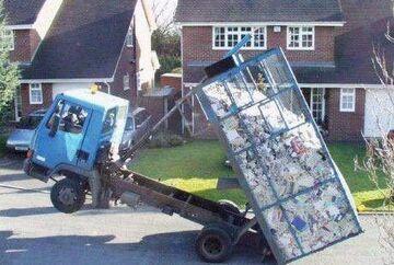 Kto zamawiał śmieci pod dom?