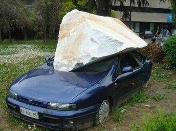 Skalny samochód