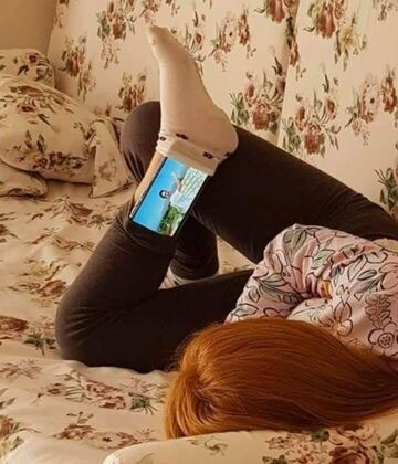 Podstawka do oglądania filmów na telefonie?