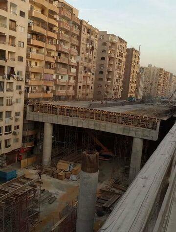 Kair. Autostrada przez środek osiedla