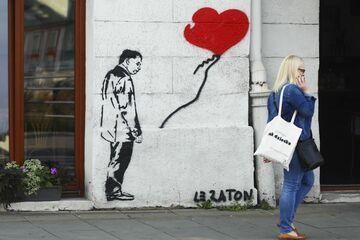 Graffiti z Jarosławem Kaczyńskim w Krakowie