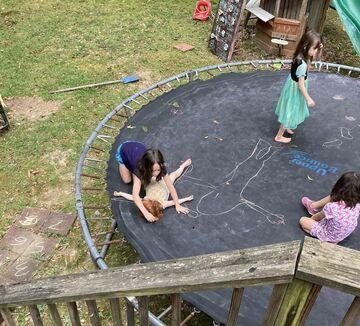 Niepokojąca zabawa dzieci