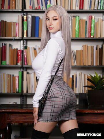 Bibliotekarka i uczeń
