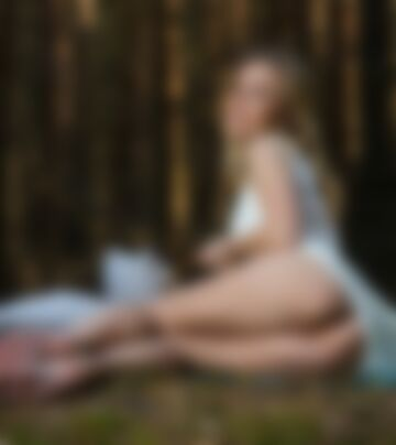 Sesja w lesie .