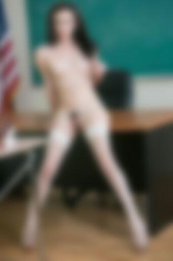 Sex na biurku u detektora
