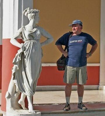 Pomnik vs Turysta
