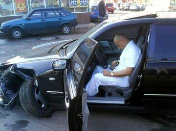 Zasnął za kierownicą