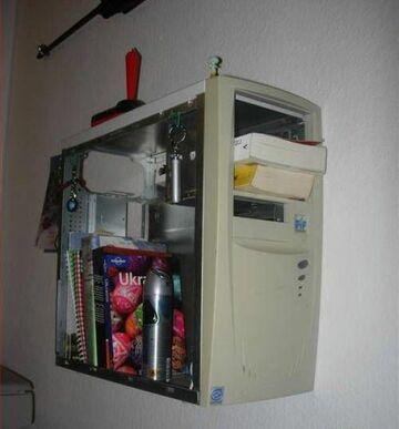 Półka z Komputera