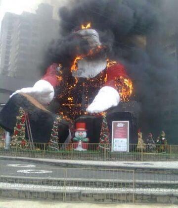 Mikołaj płonie!