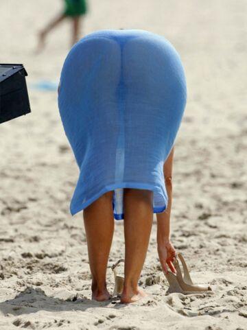 Tyłeczek na plaży