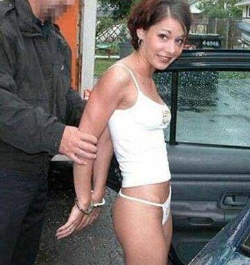 aresztowana, ale za co ?