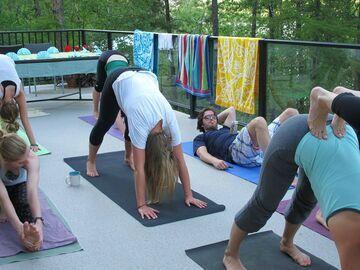 Gdy Twoja dziewczyna robią yoge na Twoim podwórku