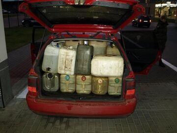 20-latka wiozła 800 litrów paliwa