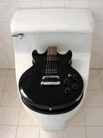 Gitarowa deska sedesowa
