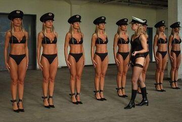 Blond Policja