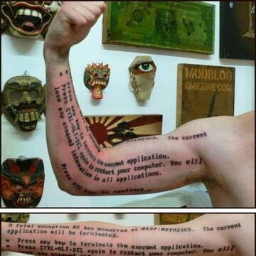 tatuaż popularnego błędu Microsoftu