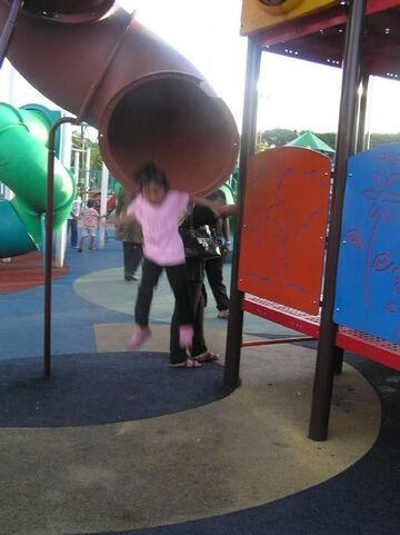 Zjeżdżalnia na placu zabaw