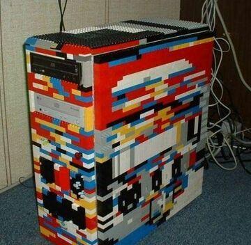 Obudowa komputerowa z klocków lego