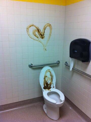 Serduszko w toalecie