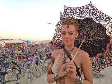 Kobieta na Burning Man