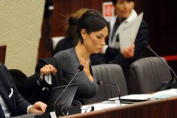 Nicole Minetti - Do mikrofonu