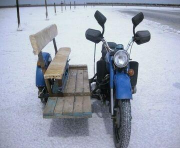 Motocykl Sidecar z ławką