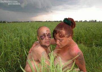 dano temu w trawie